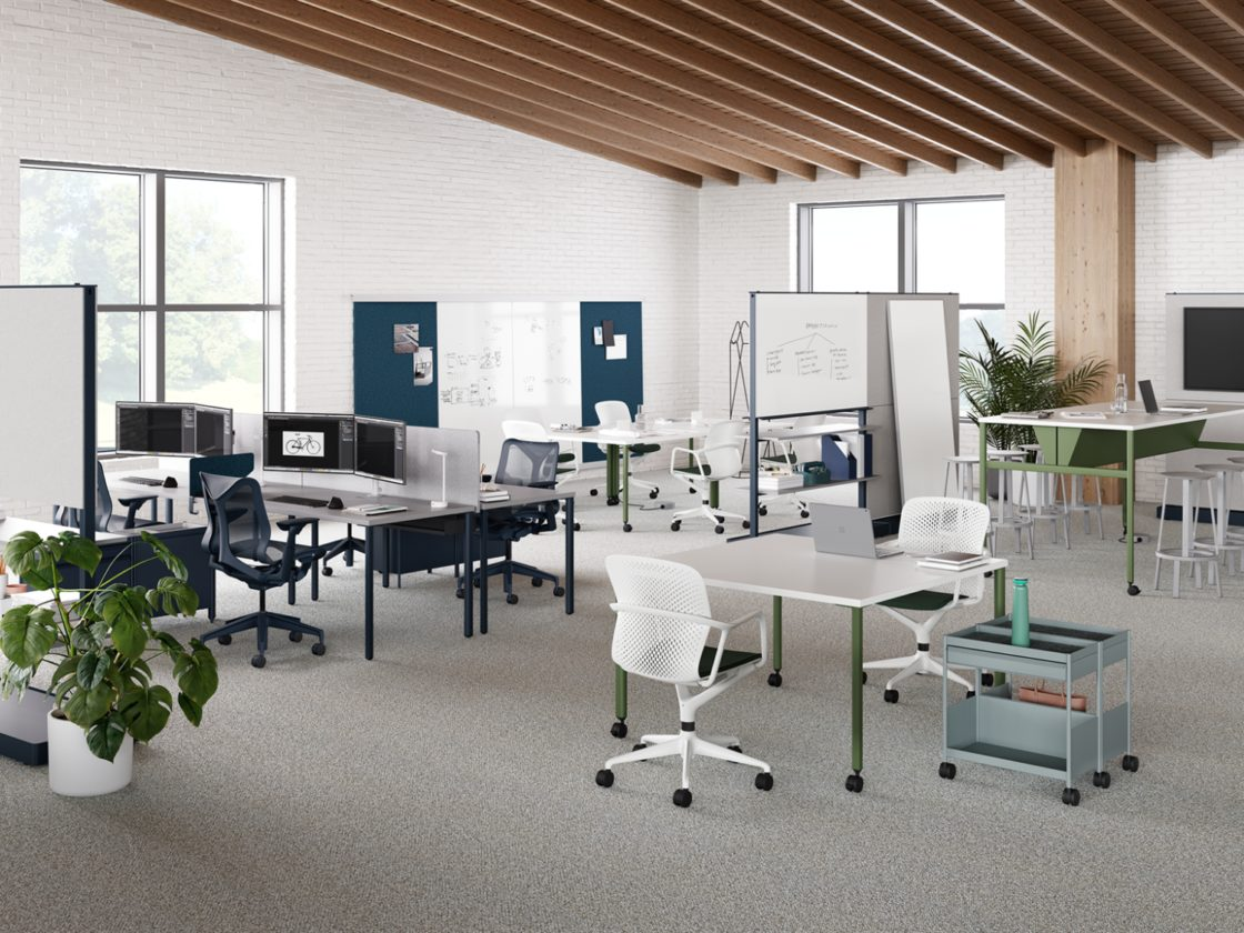 A workspace featuring the OE1 Rectangular Table, OE1 Wall Rails and Project Boards, OE1 Project Table, OE1 Mobile Easel, and OE1 Agile Wall.